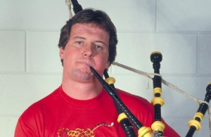 roddy-piper-with-bagpipes